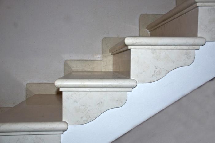 scala-biancone-sagomata